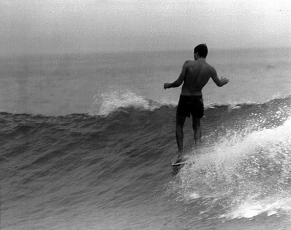 The wavemaster - by Leroy Grannis